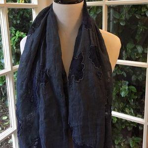 tolani Accessories - Blue linen shawl