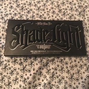 Kat Von D Other - Kat Von D Shade + Light Contour Palette BOX ONLY