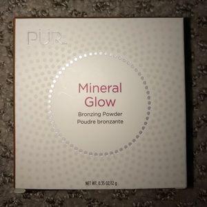 Pur Minerals Other - Pur Mineral Glow Bronzing Powder