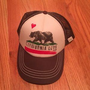 """Billabong women's """"California Love"""" trucker hat"""