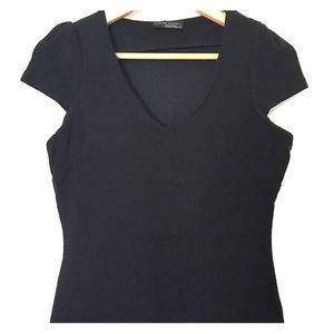 Fitted v-neck black top with stretch by Zara