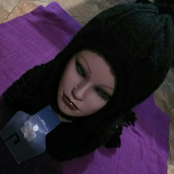 44360e09134 NWT Women s Winter Hat   Infinity Scarf