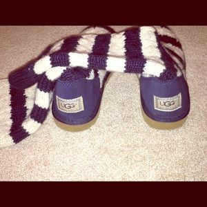 UGG Shoes - BRAND NEW UGGS NAVY AND CREAM STRIPE