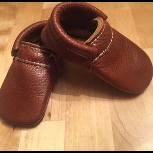 hudsons apparel Other - NWOT Brown Baby Moccasins size 3-6 months