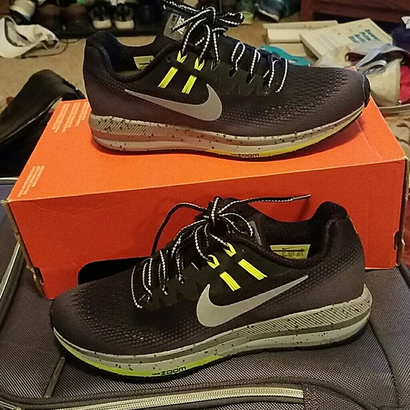 e8eaf59f1a1f Nike Air Zoom Structure 20 Shield Womens Shoes