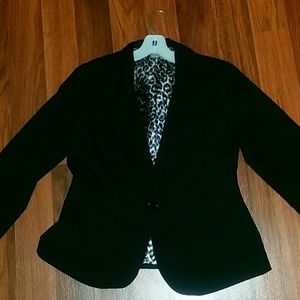 Black blazer leopard lining fold sleeve