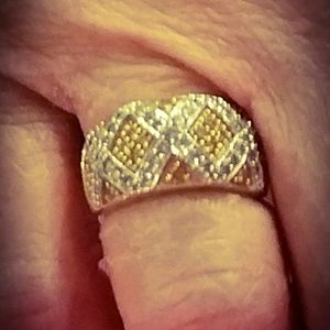 14k yellow and white diamond ring