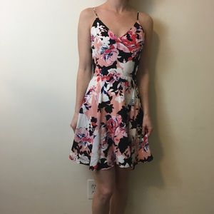 Yumi Kim Dresses & Skirts - Yumi Kim Silk Floral Summer Print Skater Dress