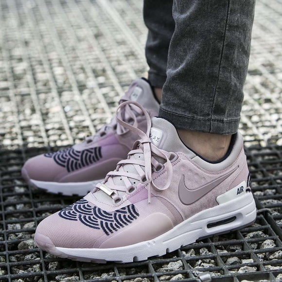 sports shoes 22501 8782c OFFER ME⚡️Women s Nike Air Max Zero Lotc Tokyo