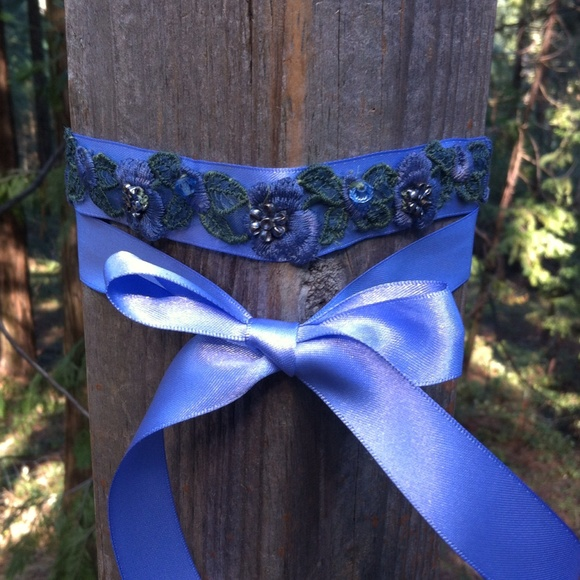 kreativekristen Jewelry - Upcycle periwinkle purple choker
