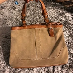 Coach Handbags - Coach beige tote 👜