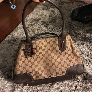 Gucci Handbags - Gucci tote