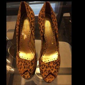 BCBGirls Shoes - 💥FRIDAY FLASH SALE💥BCBG Leopard Peep toe Pumps