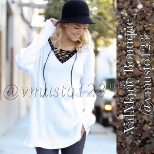 ‼️LAST- SZ L- WHITE RIBBED LACE UP LOOSE SWEATER