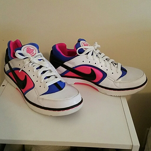 new style dcbc1 50eb0 Nike womens huarache dance low sneakers. M 58a07f656a5830ae70005b6a