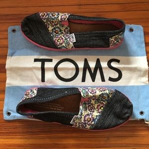 TOMS Other - Girls Denim sz 2 Tom's with thick rubber soles