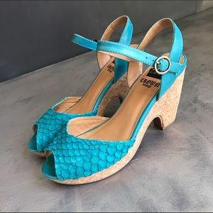 Crown Vintage teal blue sandals 8.5 cork base