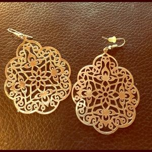Jewelry - Silver filigree earrings NWT