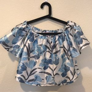 NWOT off the shoulder blue floral top