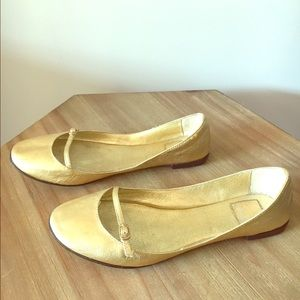 Dolce Vita gold leather maryjanes size 6 narrow
