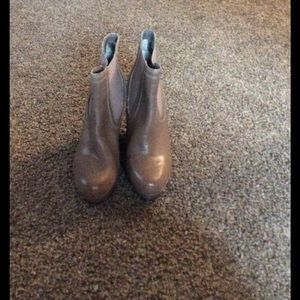 Seychelles Shoes - Gently Used Tan High Heal Dress Boot Size 7.