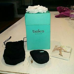 Tieks Shoes - Tieks packaging