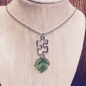 Jewelry - Puzzle Piece Green Leaf Necklace