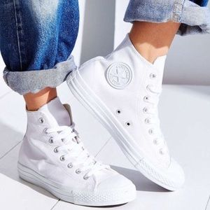 Converse Shoes - ❤️SALE! CONVERSE WOMENS CHUCK TAYLORS WHITE SHOES
