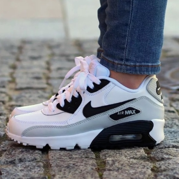 24c2811dff Nike Shoes | Air Max 90 Leather Womens Size 8 | Poshmark