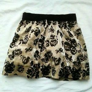 Forever 21 Dresses & Skirts - Forever 21 Rode Print Skirt