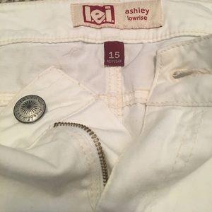 lei Shorts - Lei white shorts!