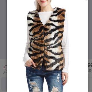 Jackets & Blazers - Black & brown tiger print faux fur vest