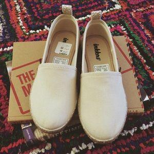 inkkas Shoes - NWT inkkas Sand Global Espadrille slip ons