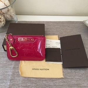 Louis Vuitton rare Limited Editio Rose Indian cles