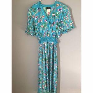 Dresses & Skirts - DIANE FRES Dress Sz Medium