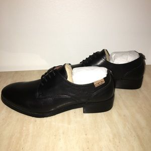 PIKOLINOS Shoes - Pikolinos black lace up oxford flats