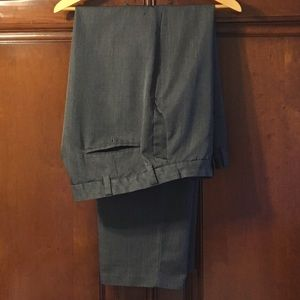 Haggar Other - 💥Clearance💥Men's Beautiful grey dress slacks.