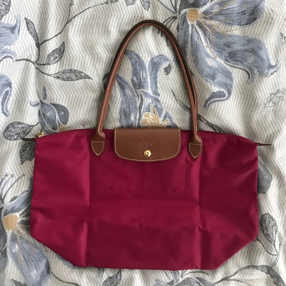 7a1f034188b9 EUC Longchamp Le Pliage Large Tote in Magenta