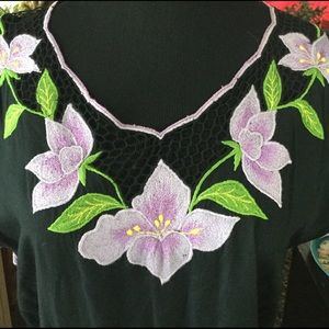 Dresses & Skirts - Vintage Maxi Dress W/ Embroidered Flowers