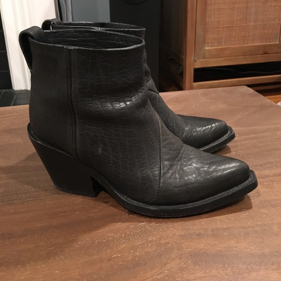 on sale abe1b b751c Acne Studios Donna Leather Textured Ankle Boot