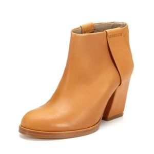 Surface to Air Shoes - Surface to Air Harness Low boots in caramel 38