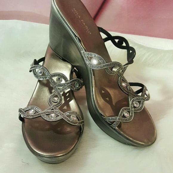1103b05e41d3 Mila Paoli Silver Rhinestone wedge Sandals. M 58a0d32c13302ab59701af03