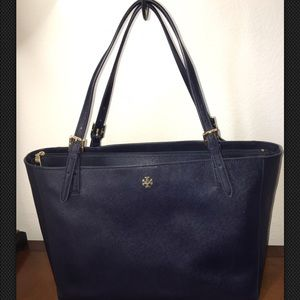 TORY BURCH NAVY BLUE LARGE YORK BUCKLE TOTE PURSE
