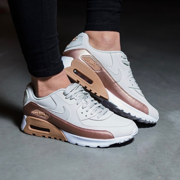 best service 15035 6ddbb Nike Air Max 90 Ultra Nude + Copper SE Sneakers