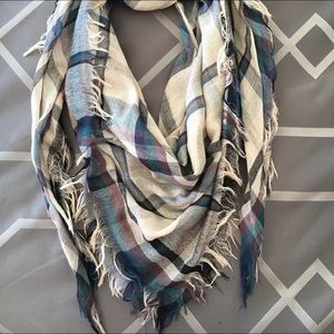Accessories - Plaid blanket-style scarf