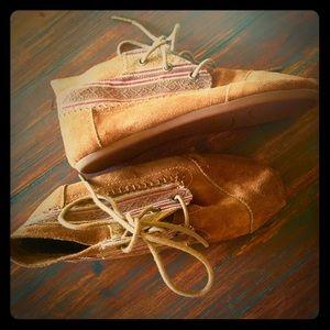 Shoes - Road Trip Kicks