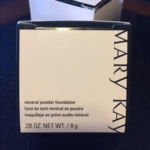 Mary Kay Other - Mary Kay Bronze 4 Mineral Powder Foundation