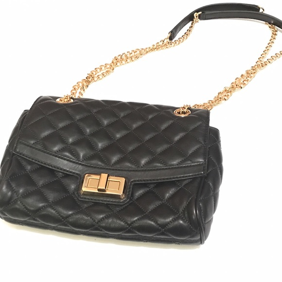 1a1423800f Michael Kors Hannah Black Quilted Bag. M 58a0e49af0137db4a701fc4f