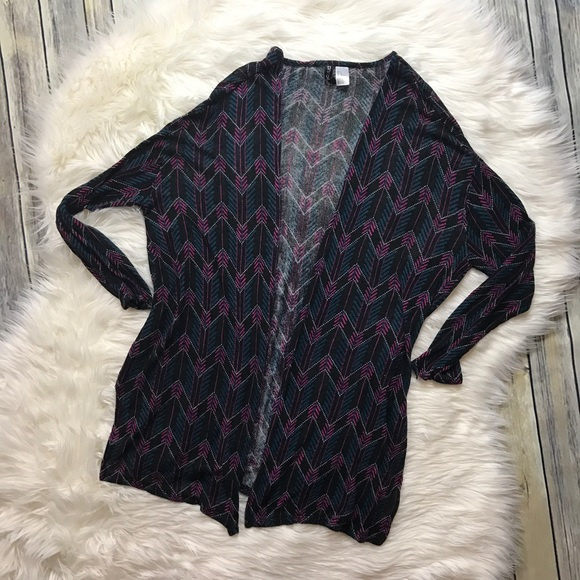H&M Sweaters - H&M Divided Black Zig Zag Printed Cardigan Sweater