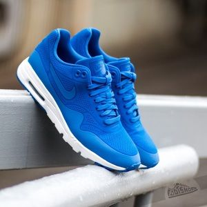 Nike Air Max 1 Ultra Moire in blue